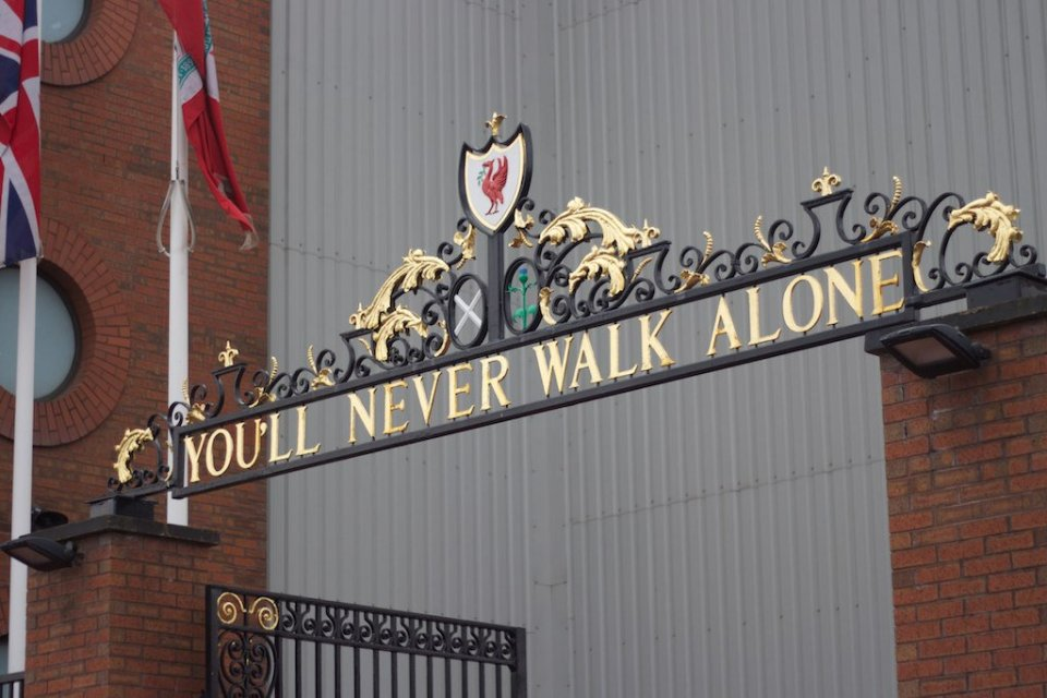 You'll_Never_Walk_Alone_(13976345652)