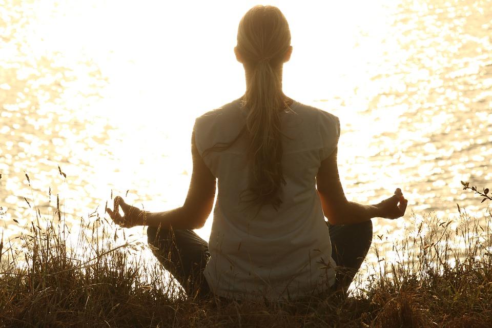 meditate-1851165_960_720
